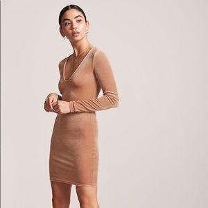 Forever 21 Velvet V-Neck Mini Dress in Mauve Pink